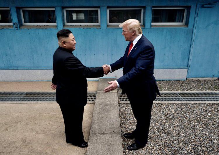 Trump hace historia al pisar Corea del Norte por breve reunión con Kim Jong Un