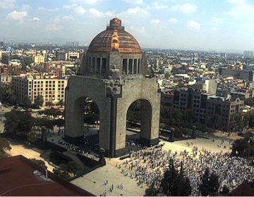 """""""A mano alzada, queremos que se vaya"""": Marchan en CDMX contra AMLO"""