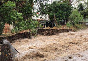 Un muerto y 487 casas encharcadas dejaron las fuertes lluvias en León