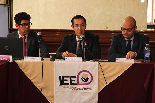 Entrega IEE 43 constancias de Regidurías en Aguascalientes
