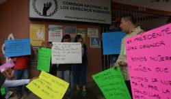Papa elogia trato de México a migrantes mientras las detenciones…