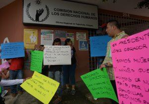 Papa elogia trato de México a migrantes mientras las detenciones rompen récord