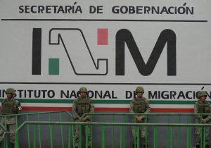 Rescatan a 170 migrantes que fueron abandonados en camión en Veracruz