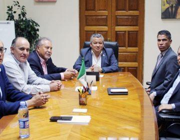 Se reúnen gobierno, empresarios y CFE para revisar cortes de electricidad