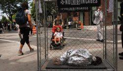 """Sin comida ni agua: Niños migrantes describen los tratos """"crueles""""…"""