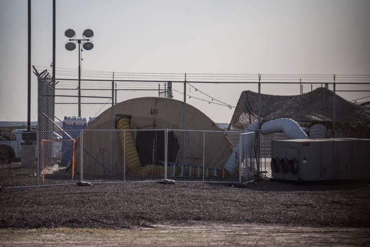 """Gobierno de Trump envía a 100 niños de regreso a instalaciones fronterizas """"despreciables"""""""