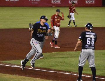 Con gran slam Rieleros vienen de atrás y derrotan a Campeche