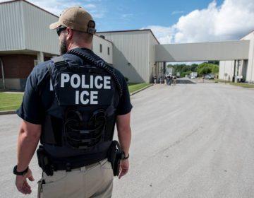Trump retrasará 2 semanas deportaciones de miles de familias para que el congreso llegue a un acuerdo migratorio