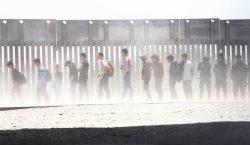 Investigación exclusiva: agentes fronterizos de EU detienen a mil personas…