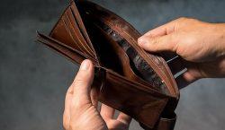 """Científicos """"esconden"""" casi 20,000 billeteras alrededor del mundo para probar…"""