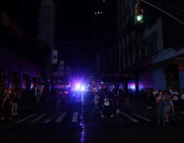 """Un apagón por """"algo que salió mal"""" dejó parte de Manhattan a oscuras por horas"""