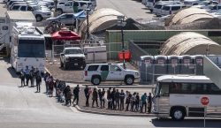 Nuevas medidas contra migrantes en EU: podrán ser deportados sin…