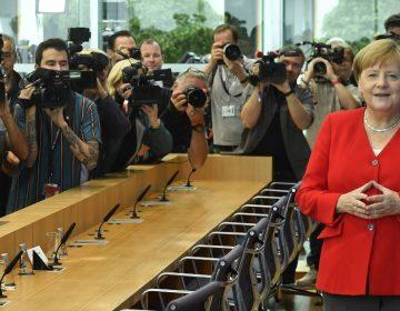Angela Merkel defiende a congresistas atacadas por Trump