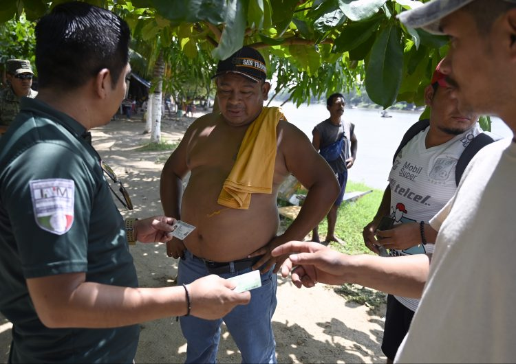 migrantes en la frontera sur de mexico