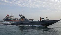 "Irán condena a muerte a 17 integrantes de una ""red…"