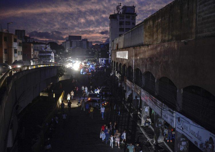 """¿Qué causó otro apagón masivo en Venezuela? Maduro afirma que fue un """"ataque electromagnético"""""""