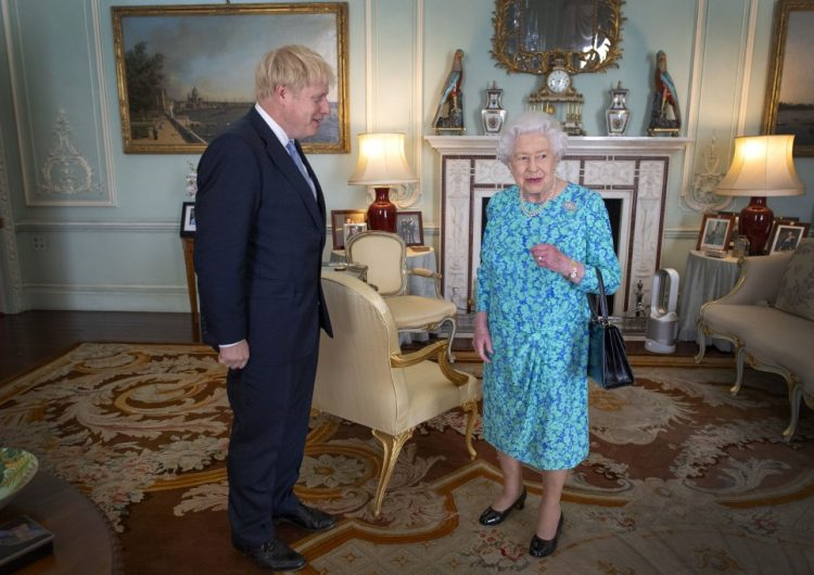 Boris Johnson asume como primer ministro de Reino Unido y promete salir a tiempo de la UE