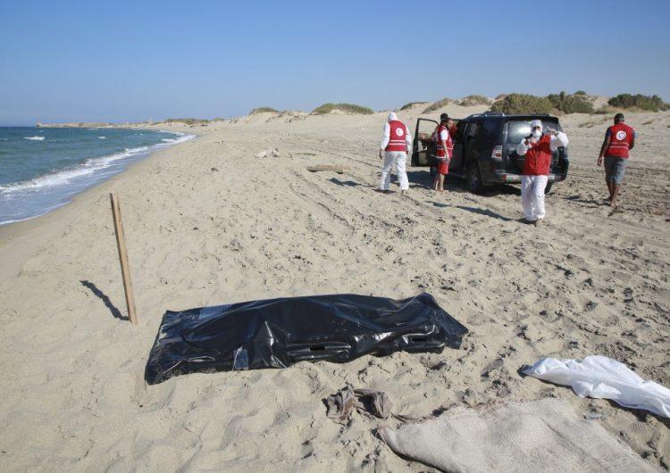 62 migrantes mueren por un naufragio en las Costas de Libia; hay cien desparecidos