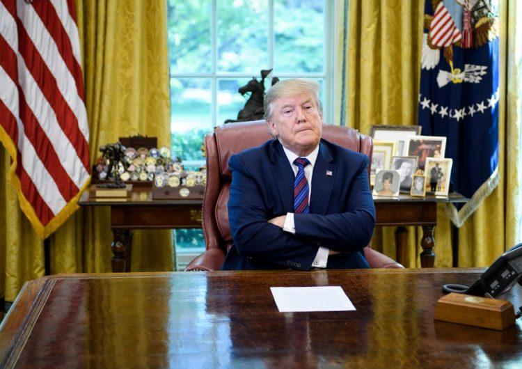 Trump lanza ataques contra Baltimore y es nuevamente acusado de racismo