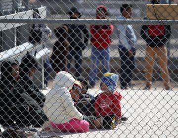 """La """"tolerancia cero"""" continúa en el gobierno de Trump: más de 900 niños fueron separados de sus familias"""