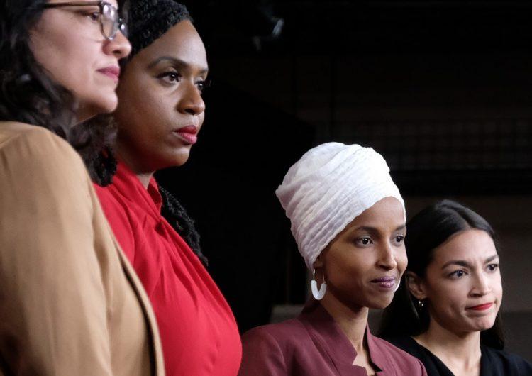 """Congresistas acusan a Trump de promover una """"agenda nacionalista blanca"""""""