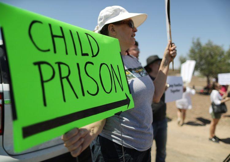 EU investiga a agente fronterizo señalado de abusar de una migrante hondureña de 15 años