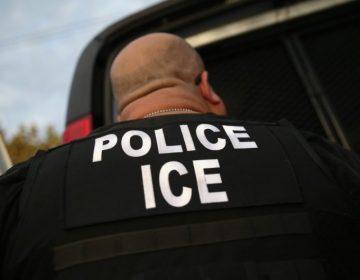 Hombre que intentó atacar centro de detención de migrantes en EU murió acribillado por la policía