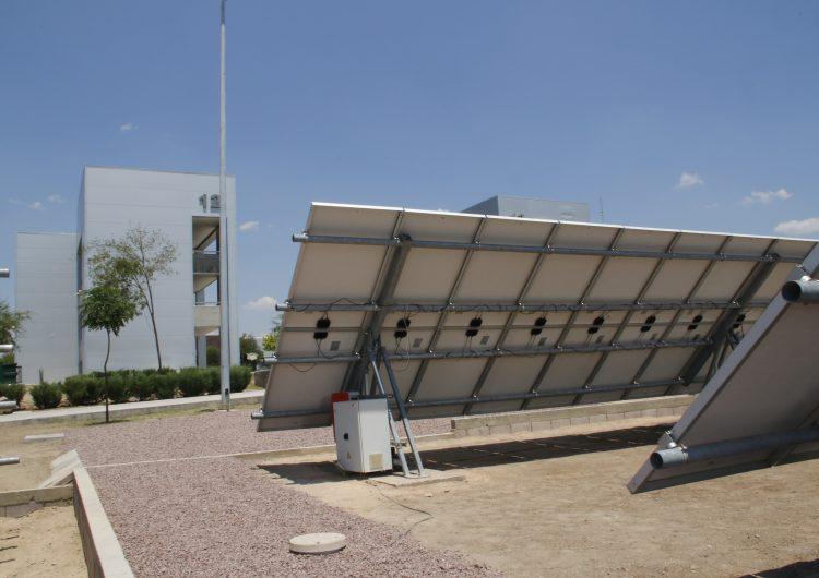 Desarrollan alumnos de la UAA mecanismo para el aprovechamiento de la energía solar