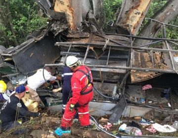 Llegan los primeros cuerpos de fallecidos en accidente de autobús a Aguascalientes