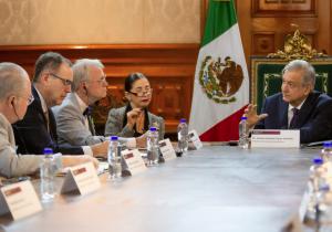 """El T-MEC """"no es el fin del mundo"""" dice AMLO a congresistas de EU"""