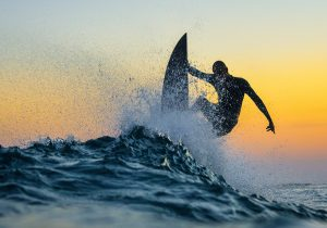 10 lugares para surfear en las mejores aguas del mundo