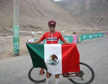 Guanajuatense gana medalla de oro en ciclismo de montaña en Lima