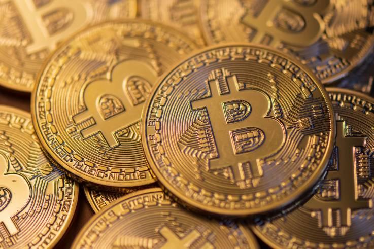 Banda criminal secuestró y torturó a corredores de criptomonedas; exigía rescate de 80 bitcoins