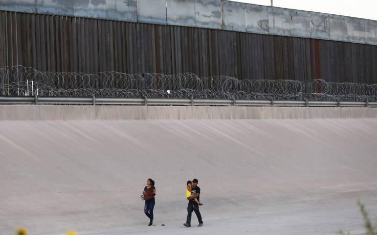 Ante un camino lleno de peligros: ¿Por qué siguen llegando migrantes a la frontera de EU?