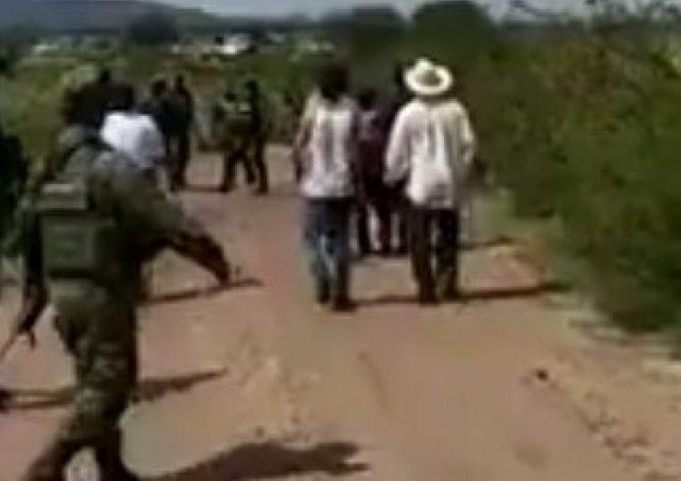 Pobladores enfrentan al Ejército e impiden la captura de un huachicolero