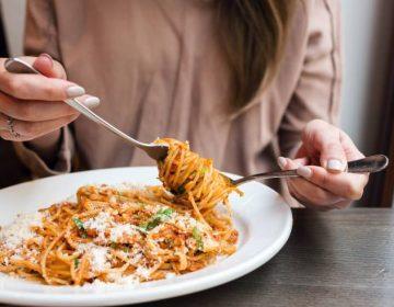Modificar el horario de tus comidas podría ser la clave para perder peso