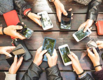 Usar el celular por más de cinco horas aumenta el riesgo de desarrollar obesidad