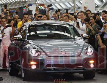 Volkswagen le dice adiós al último Beetle