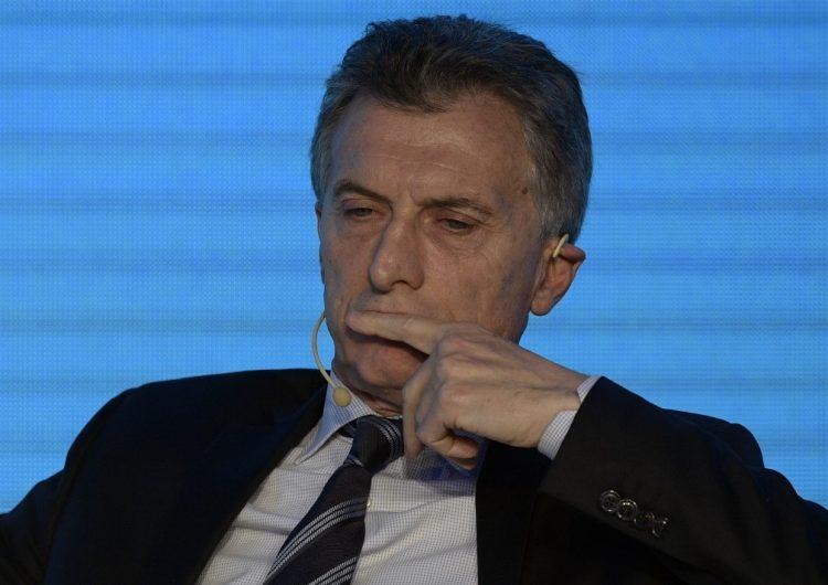 Macri reconoce derrota en las primarias de Argentina, mientras la fórmula de Kirchner avanza