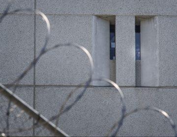 Una reclusa afirma que fue obligada a dar a luz sola en su celda, sin ningún tratamiento médico: 'Esto no es civilizado'