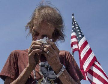 Hombre que enviudó por tiroteo hace pública invitación a funeral porque no tiene más familiares vivos