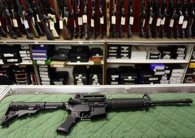 Tras el tiroteo en El Paso, entrará en vigor una legislación que flexibiliza la portación de armas en Texas
