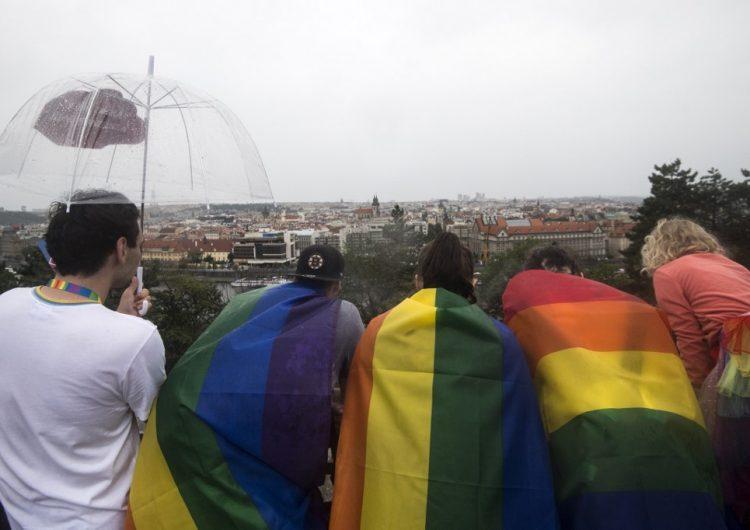 """El estudio más grande de la historia confirma que no existe un único """"gen gay"""""""