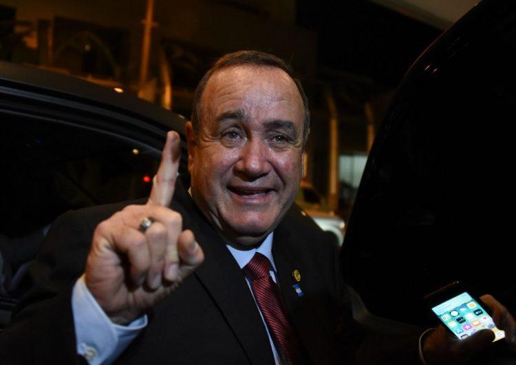 """Quién es Giammattei, el presidente electo de Guatemala que propuso un """"muro económico"""""""