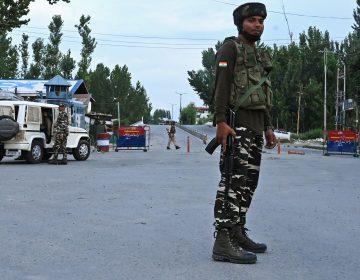 India dice que retirará por fases las restricciones impuestas en Cachemira