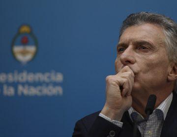 Presidente argentino anuncia medidas para afrontar caída económica tras elecciones