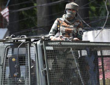 Dos muertos en un enfrentamiento con la policía en la Cachemira controlada por India