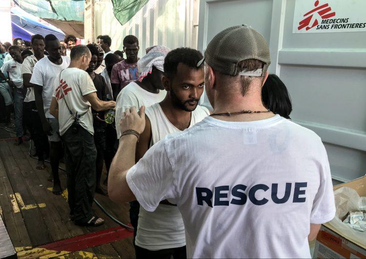 El barco rescatista 'Ocean Viking' alerta que solo tiene comida para cinco días más