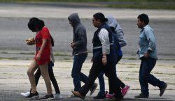 EU deporta a 120 guatemaltecos y advierte que habrá más