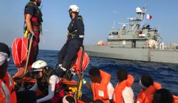 Europa acuerda recibir a los 356 migrantes a la deriva…